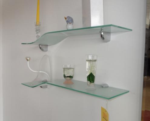 Mensole soggiorno vetro idee per il design della casa for Mensole ikea vetro