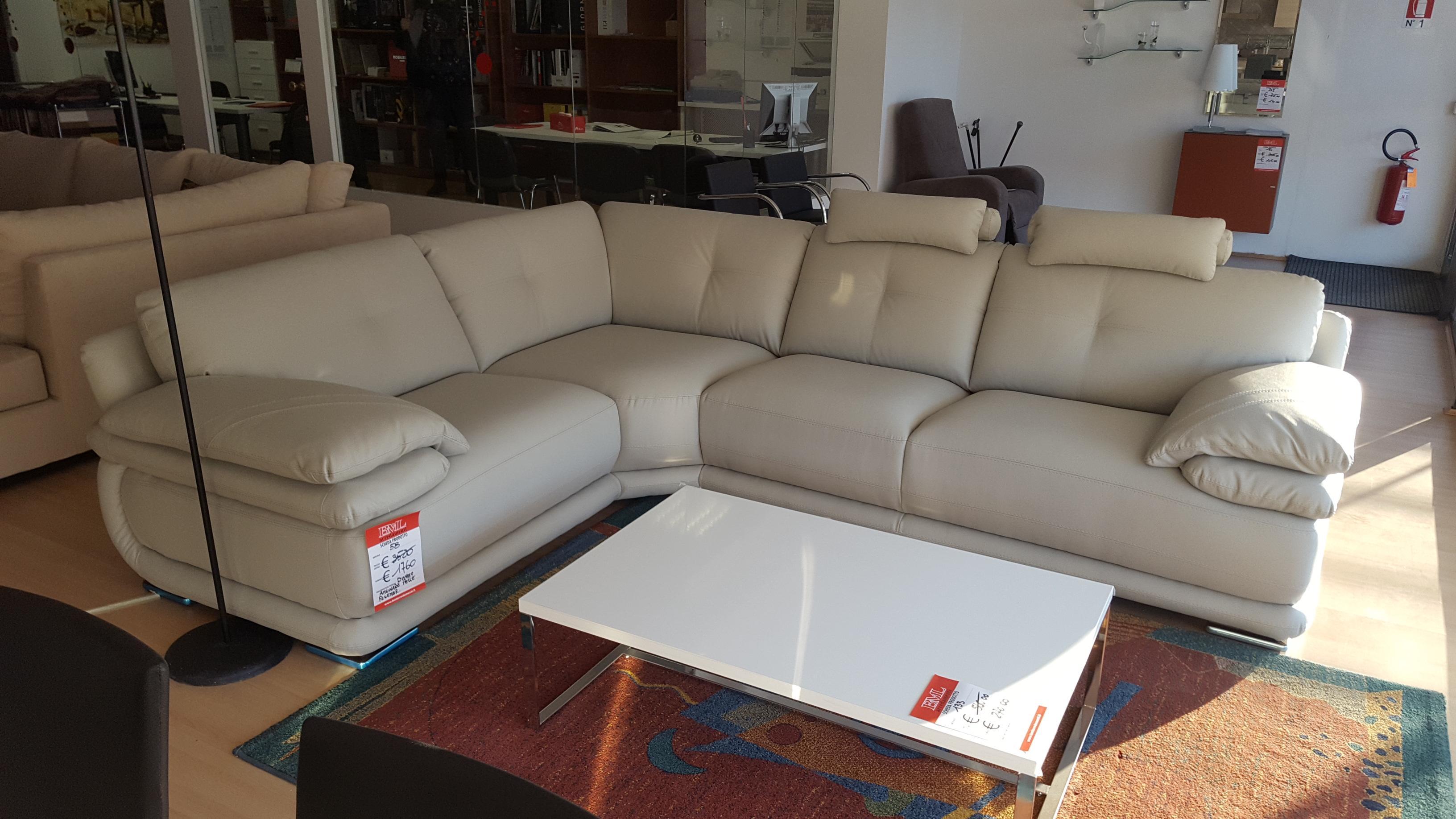 Divano angolare in pelle rigenerata outlet mobili e arredamento a vicenza cucine - Outlet del divano assago ...