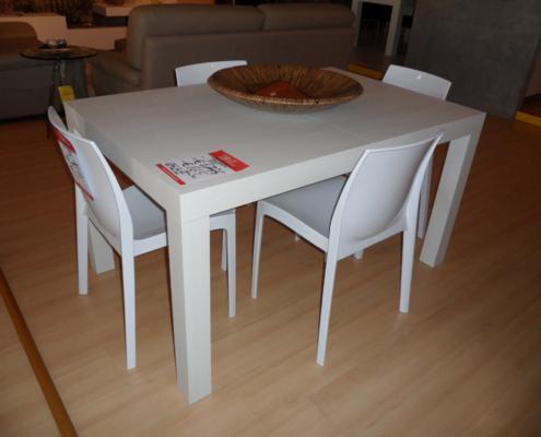 Tavolo frassinato bianco outlet mobili e for Bml arredamenti