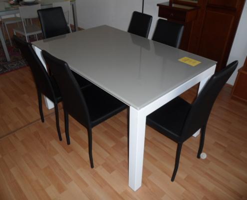 Tavolo con piano in vetro art 334 in occasione outlet for Outlet arredamento vicenza