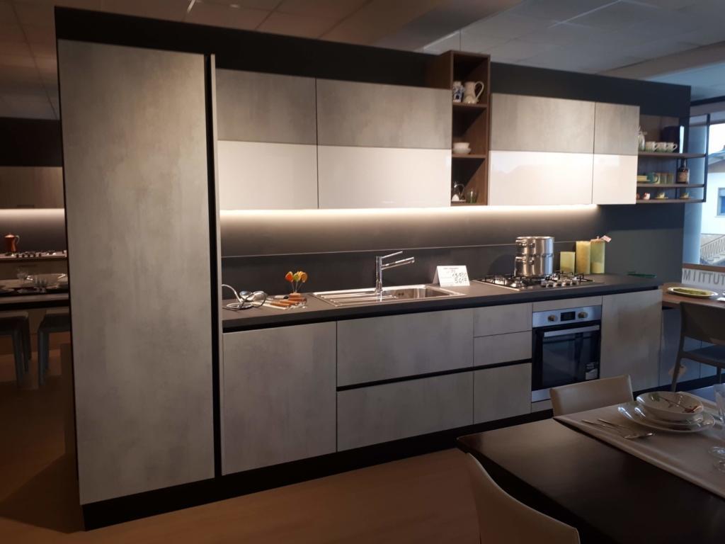 Arredo 91 Produzione Srl.Cucina Tre Finiture Art 91 Outlet Mobili E Arredamento A Vicenza Cucine Camere Armadi Divani Bagno Letti Scontati