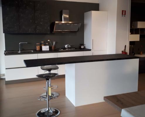 Cucina outlet mobili e arredamento a vicenza for Outlet mobili vicenza