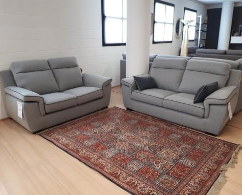 Coppia di divani art 117 118 outlet mobili e for Outlet mobili vicenza